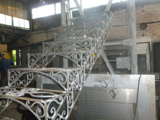 work_0050-320x240-ffd5ae00326663eb3cb7582be68256ef Кованые лестницы, перила